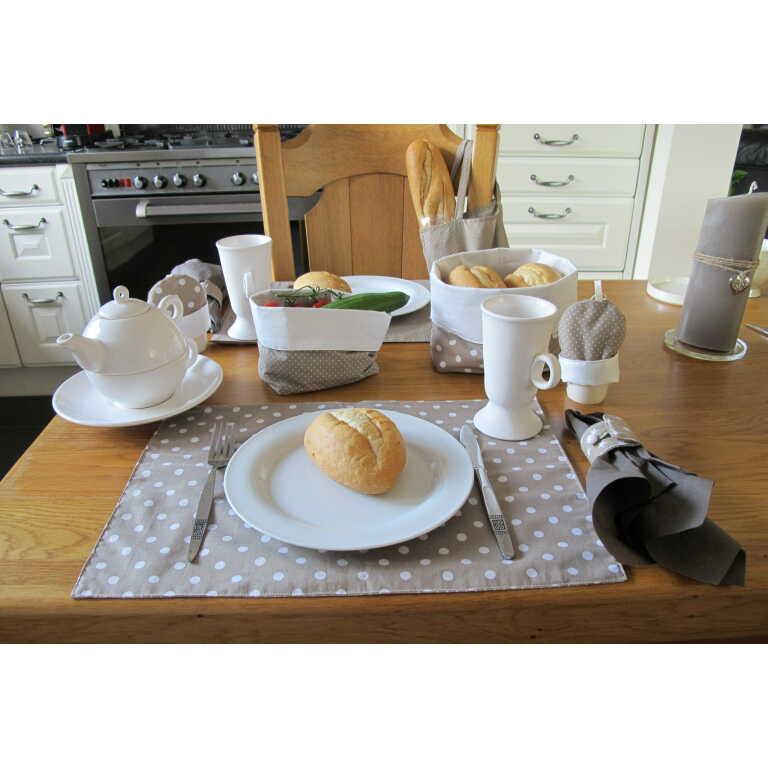 Zus en Zo Zelfgemaakt - serie tafellinnen stip/ster -